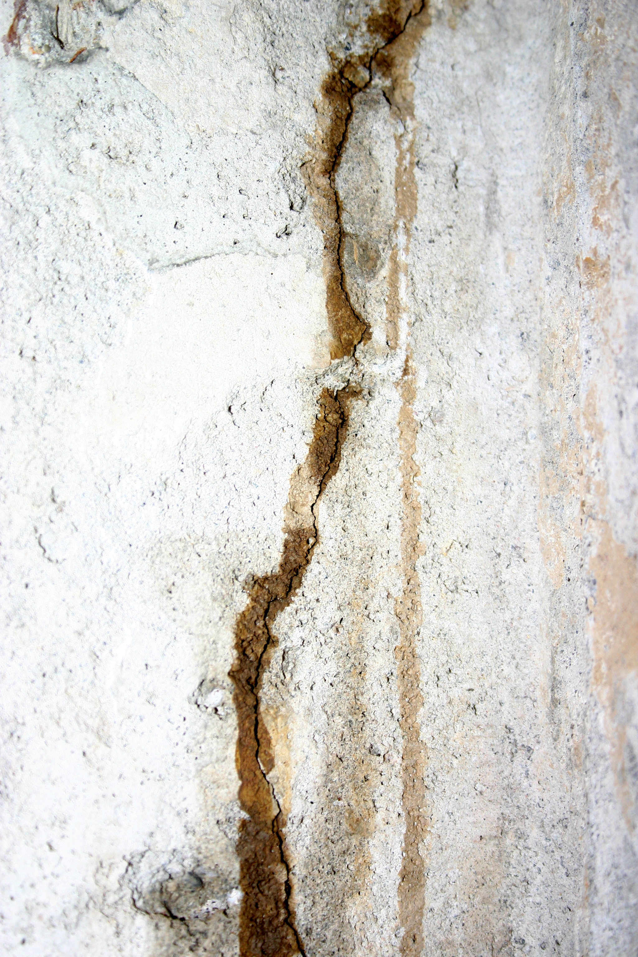 Cracked foundation crack king foundation repair for Poured concrete foundation cracks